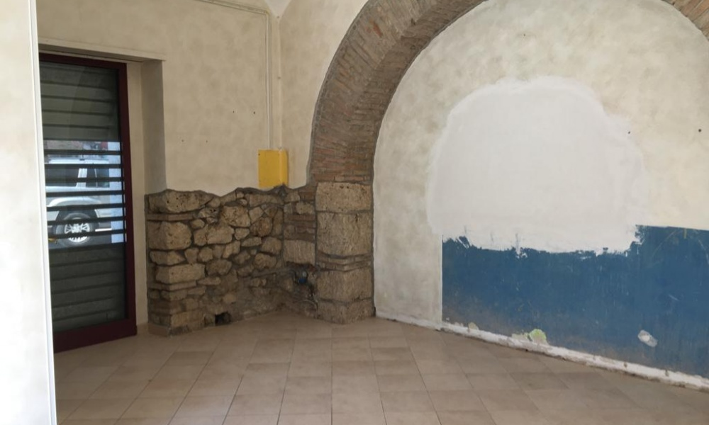Locale Commerciale,In Affitto,1264